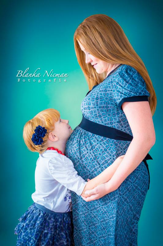 Sesja ciążowa z rodzeństwem